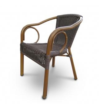 Плетёный стул из искусственного ротанга